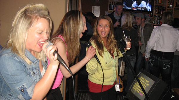 Friday Karaoke at Pizzaman Farmington MN